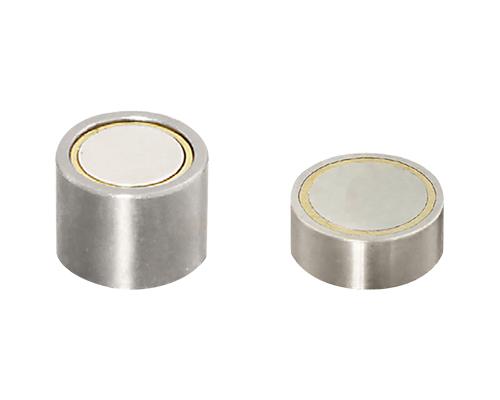 带壳磁铁 (精密、内螺纹型)